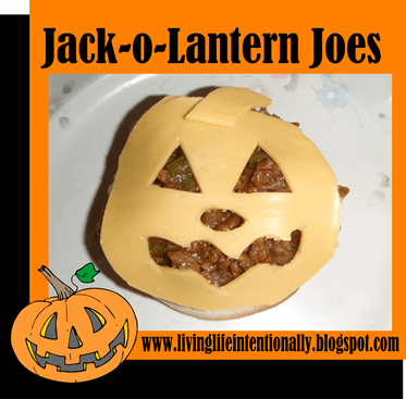 Kids will love this fun, easy to make Halloween Dinner #recipes #halloween