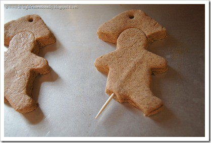 these cinnamon christmas ornaments smell AMAZING