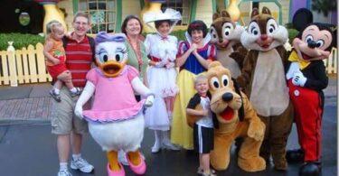 BEST Age to Take Kids to Disney World