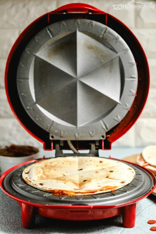 kids of all ages will love this easy quesadilla recipe you can make in less than 5 minutes