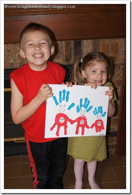 Thing 1, Thing 2, Thing 3 Craft for Kids - this such a super cute hand art project for kids to celebrate Dr. Seuss birthday or any time. SO CUTE!