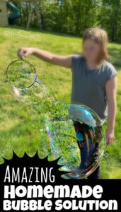Homemade Bubble Solution for GIANT Bubbles - simple and amazing diy bubbles recipe for toddler, preschool, and children of all ages for fun summer activities for kids. A must add to your summer bucket list