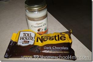 Dark Chcolate Kiwi Treat with Coconut Oil
