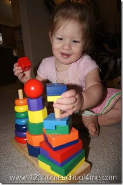 Toddler kids activity to learn about shapes