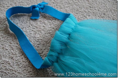 How to Make a Disney Frozen No Sew Elsa Costume for Kids