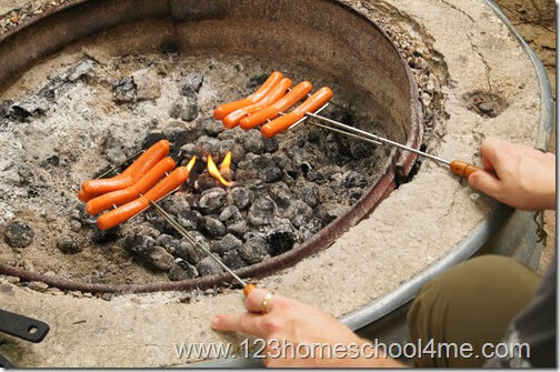 Lots of Camping Meals Ideas for Families