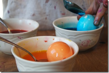 Recipe for dying Easter Eggs