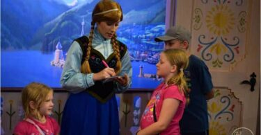 Meet Elsa and Anna in Charming Arendelle