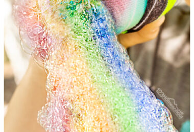 Looking for a fun summer activity for kids? You are going to love blowing colorfulsnake bubble. Thissock bubbles activity is super simple and such aneasy summer activity idea for toddlder, preschool, pre-k, kindergarten, first grade, 2nd grade, and 3rd graders too. It takes blowing bakcyard bubles to a new level making long, colorful snakes with a simple technique using a sock and a plastic bottle. You've got to try thisbubble snake experiment.