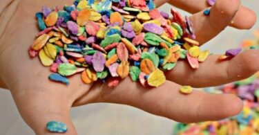 How to Dye oats for colorful sensory play