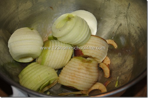 sliced and peeled apples ready to cook