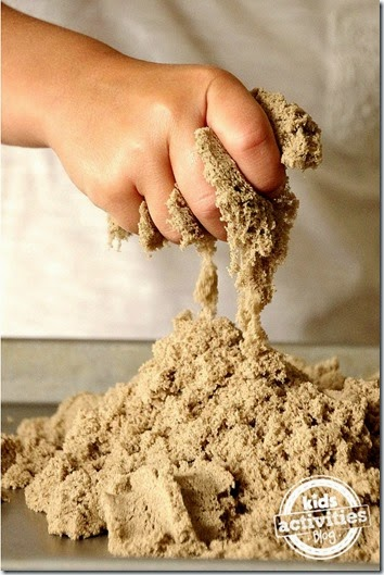 12 Fun ways to play with Kinetic Sand - awesome list to use with our new favorite sensory activity for toddler, preschool, and kindergarten. We LOVE Kinetic Sand!