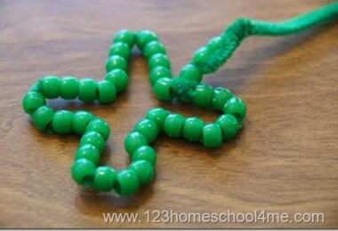 St Patricks Day Easy Bead Necklace Craft