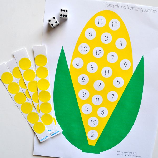 Kids will have fun practicing counting in this sticker corn craft