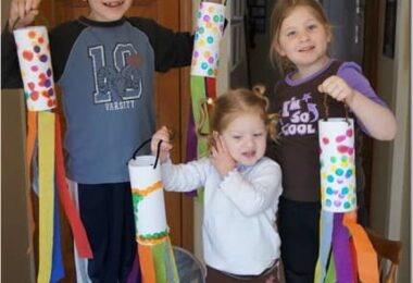 Simple Windsock Spring Craft for Kids