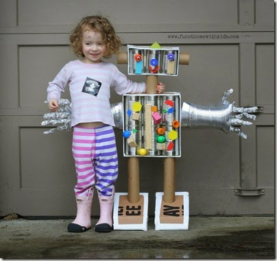 Build a Kid Size Robot with things you can find around your house. This is a great kids activities that helps introduce toddler, preschool, and kindergarten age kids to STEM.