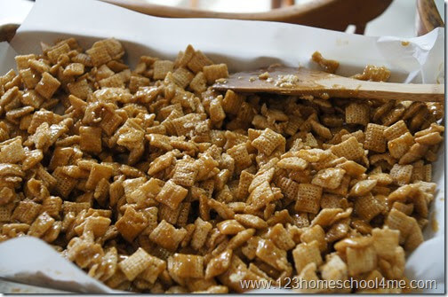 cooked carmel snack mix