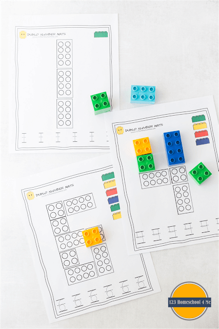 FREE Duplo Number Mats - this free printable math activity is a fun first preschool math. Practice building and writing numbers 1-10. These are great for Preschool and Kindergarten age kids! #preschool #kindergarten #mathactivities