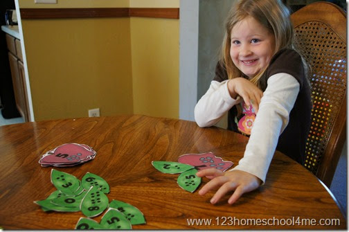 Kindergarten Math Games with a fun apple themed number bonds activity for 1st graders #1stgrade #homeschool #education #singaporemath #math #numberbonds #addition