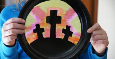 Beautiful cross craft kids can make with paper plate and coffee filter