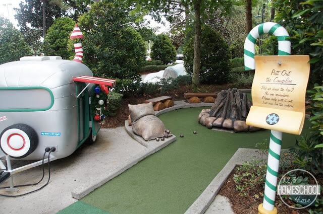 play mini golf at winter summerland mini golf