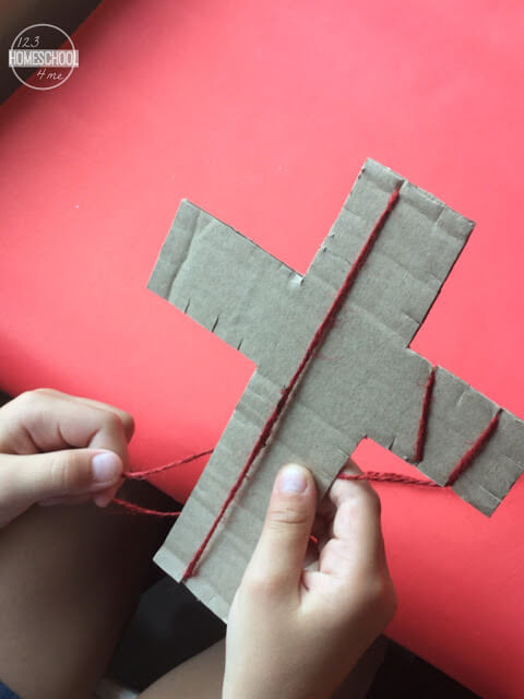 wrap yarn around cardboard cross