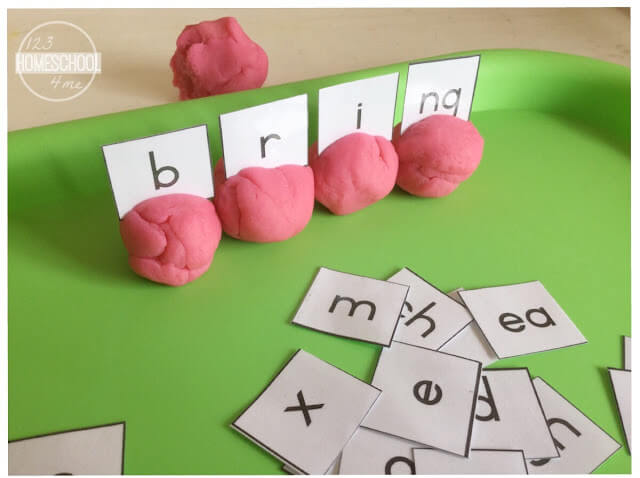 digraph activity using playdough and phonemic awareness
