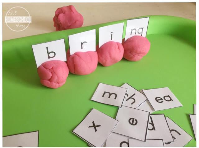 digraph activity using playdough and phonemic awareness