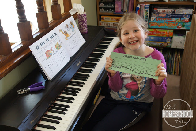 make practicing piano fun with these Piano Practice Chart Printable - record keeping charts