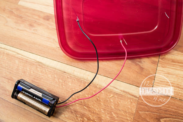 Attach-Battery-to-Curvy-Wire-and-LED
