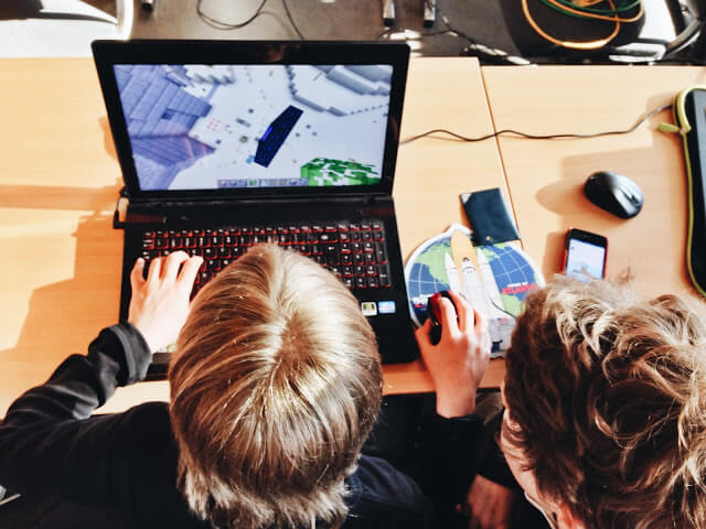 Week long Online courses in Minecraft for kids