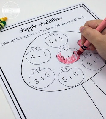 super cuve, fall themed, Apple addition coloring pages for preschool, pre k, kindergarten, and grade 1 math practice in September