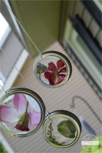 Mason jar lid flower suncatcher