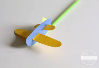 Simple-Airplane-Puppet-Craft
