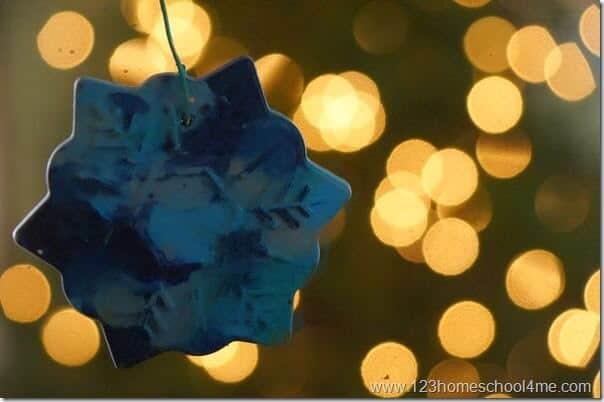crayon-christmas-ornament