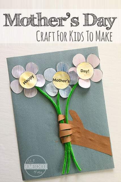 Use the free printable template to make this super cute, clever and unique mother's day handprint crafts with flowers. This is such a fun happy mothers day craft for toddler, preschool, pre k, kindergarten, and elementary age kids to give to mum.