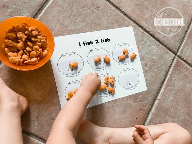 goldfish-cracker-counting-activity-toddler-preschool-kindergarten