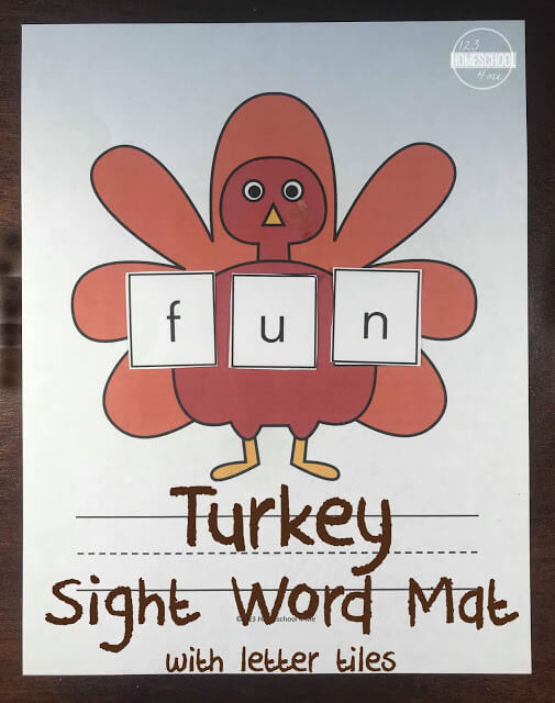 FREE Turkey Sight Word Mat - this turkey, thanksgiving themed sight word activity makes it fun for preschool, kindergarten, and first grade kids practice sight words #sightwords #cvcwords #thanksgiving