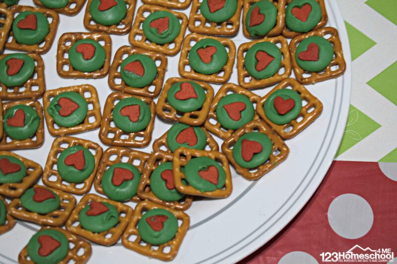 cute-and-easy-Grinch-Dessert-cookies