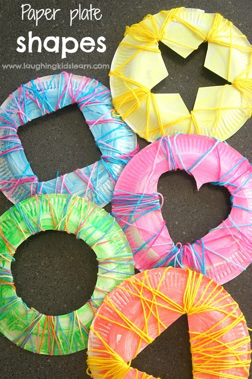 Simple-sewing-shapes-using-paper-plates-and-yarn