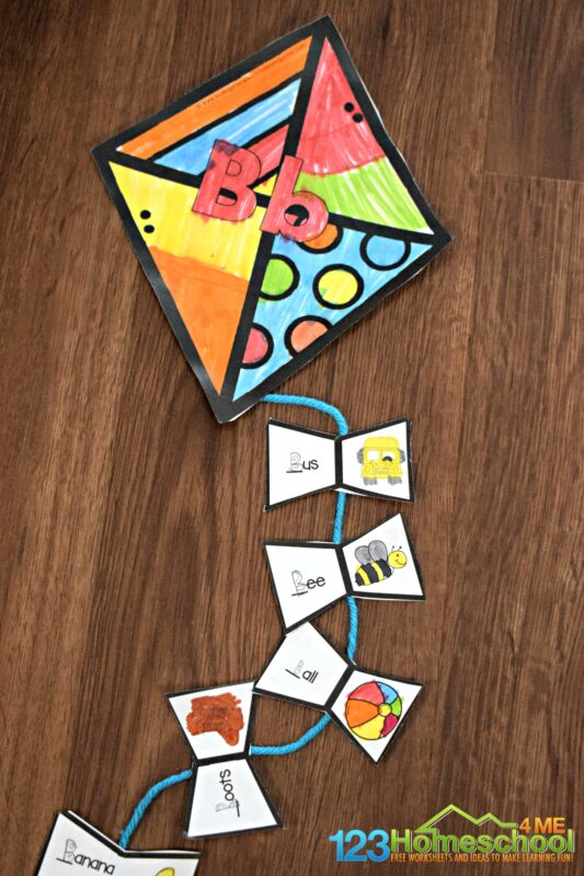 FREE Printable Spring Craft - kids will find all the kite tassels that beginning the same same sound as the kite to make this fun, alphabet kite for preschool, kindergarten, and first grade students #alphabet #preschool #kindergarten