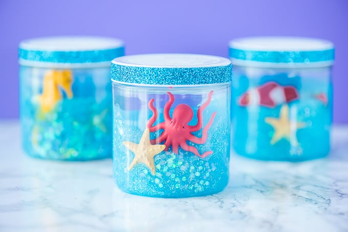 Ocean Slime Recipe - This is such a fun recipe for toddler, preschool, and kindergarten kids to play while exploring with their senses.