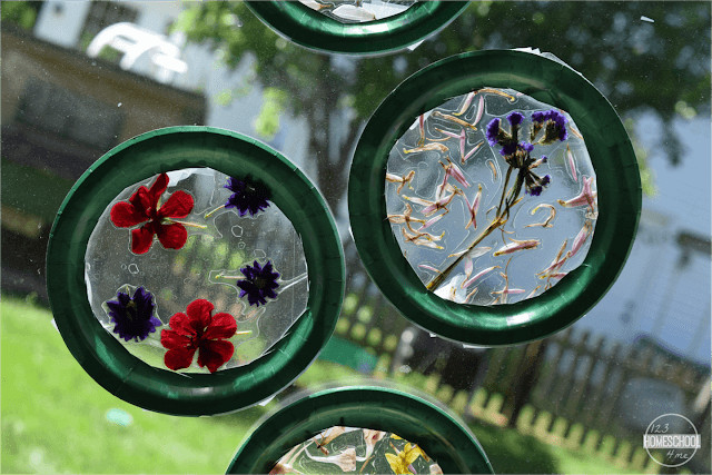 Beautiful and easy to make craft with flowers