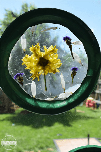 Looking for the perfect flower craft ideas? You will love this stunning and simple summer craft