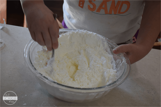 mix together the conditioner and cornstarch
