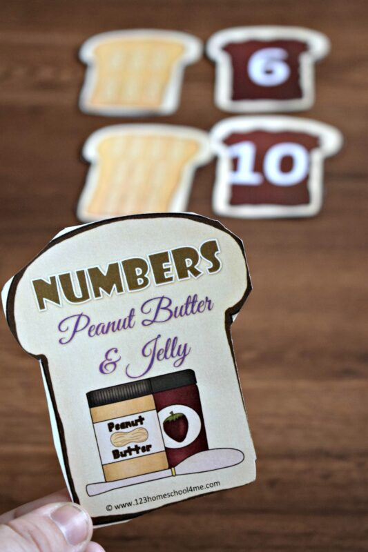 FREE Count and Match Peanut Butter and Jelly Sandwiches - this is such a fun math activity for preschoolers to practice counting to 10 with this math game for prek and kindergarten age kids. #counting #preschool #backtoschool
