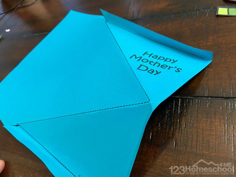 fold the bouquet holder on the dotted lines