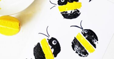 You are going to love this super cute and easy-to-make Bumble Bee Craft for toddler, preschool, pre k, and kindergarten age children! It uses a classic potato stamping technique to get some really pretty bubble bees in this insect craft for kids.