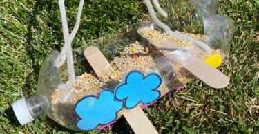 Bring nature to your back yard with this super cuteplastic bottle bird feeder craft for kids! All you need are a few simple materials you have around your house to make a diy bird feeder plastic bottle. Use these bird feeder ideas with bottleswith toddler, preschool, pre-k, kindergarten, first grade, 2nd grade, and 3rd graders too. So make a bird feeder from a plastic bottlethis spring and summer to make your backyard a nature paradise!