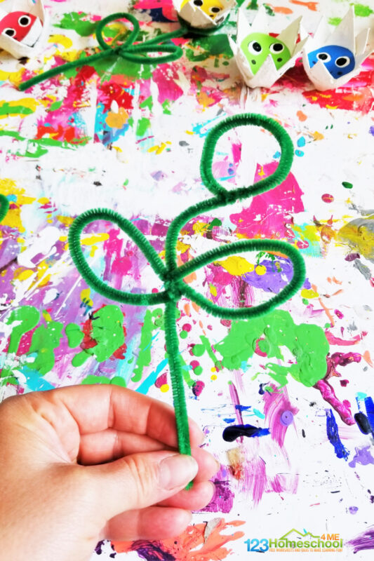 green pipe cleaner and egg carton flower craft